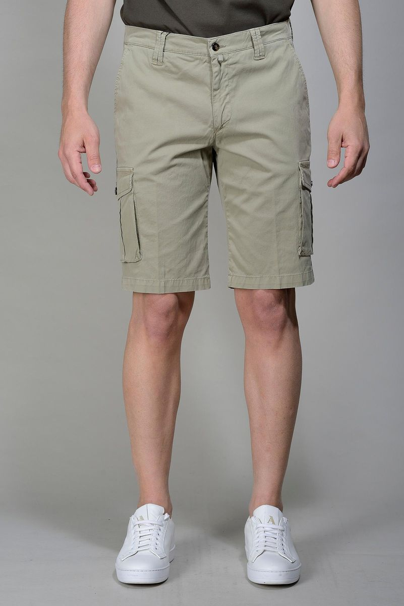sage green bermuda shorts side pocket Angelico