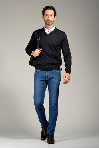charcoal grey v neck pullover merinos Angelico
