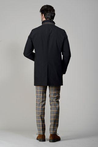 cappotto nero tecnico e pettorina Angelico