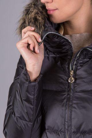 cappotto nero piuma cappuccio pelliccia staccabile Angelico