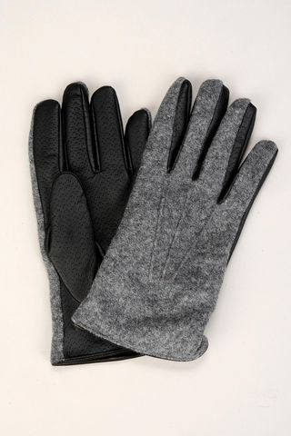 grey flannel gloves and black leather Angelico
