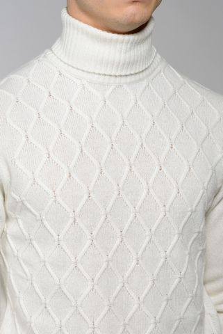 white turtleneck with rhombus pattern Angelico
