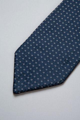 blue plastron grey flowered pattern Angelico
