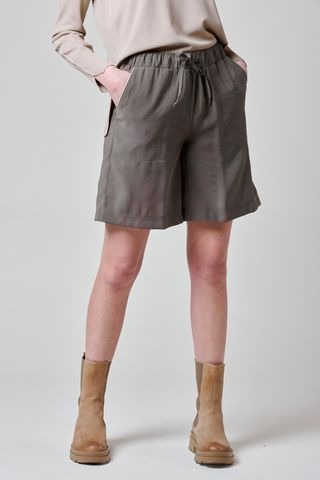 olive shorts with drawstring and pockets Angelico