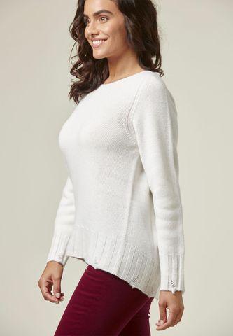 maglia bianca lana rotture e nodi Angelico
